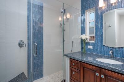Fremont Coastal-Inspired Bathroom