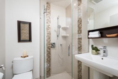 Almeria Guest Bath
