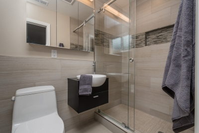 two-tiny-fremont-baths-in-the-same-house